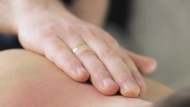 Back Massage: Stock Video