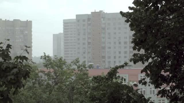 Heavy Rain In City: Stock Video