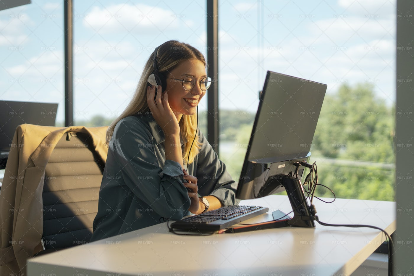 Customer Support Agent: Stock Photos