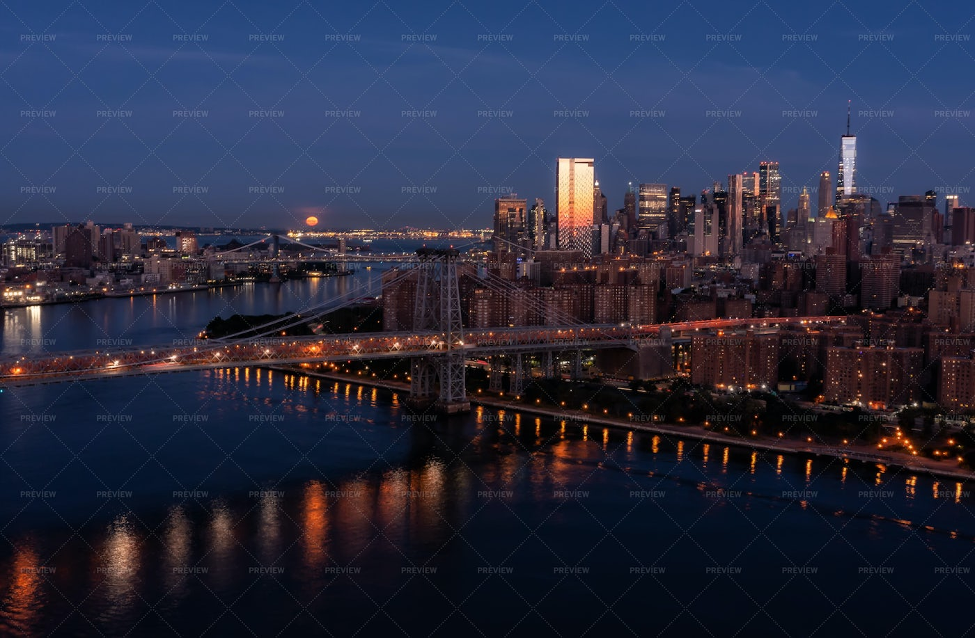 East River With Full Moon: Stock Photos