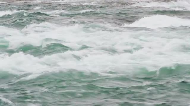 Niagara Falls Rushing Water: Stock Video