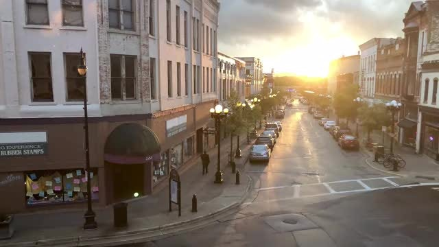 Beautiful Downtown Sunset: Stock Video