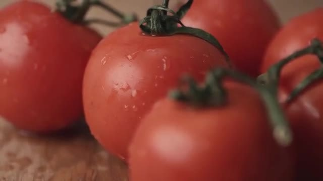 Beautiful Fresh Red Tomatoes: Stock Video