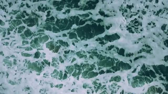 Close-up Shot Of Foamy Waves: Stock Video