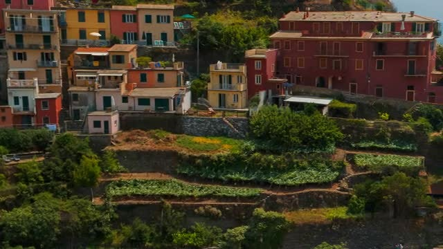 Revealing Shot Of Riomaggiore Village : Stock Video