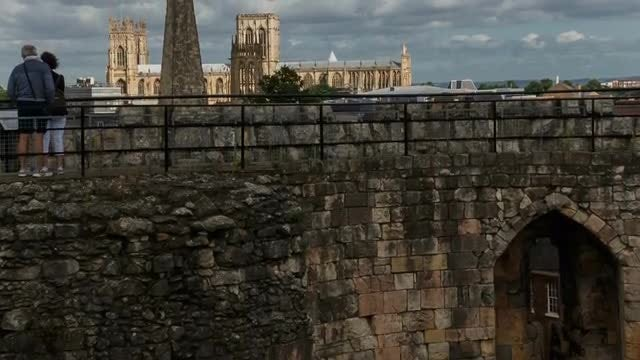 Tilting Shot of The York: Stock Video