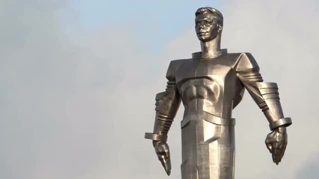 Yuri Gagarin Monument Time Lapse: Stock Video