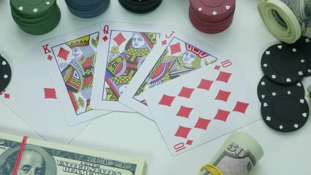 Diamonds Royal Street Flush : Stock Video