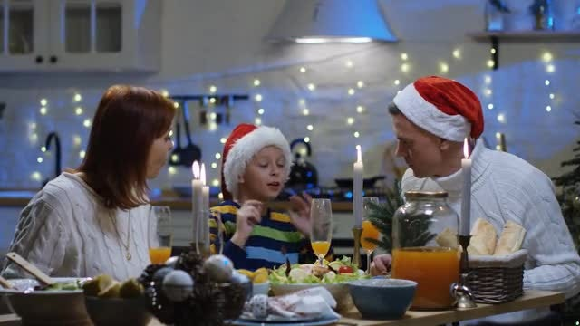 Family Christmas Dinner: Stock Video