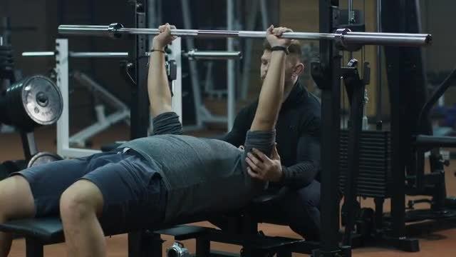 Man Doing Bench Press: Stock Video