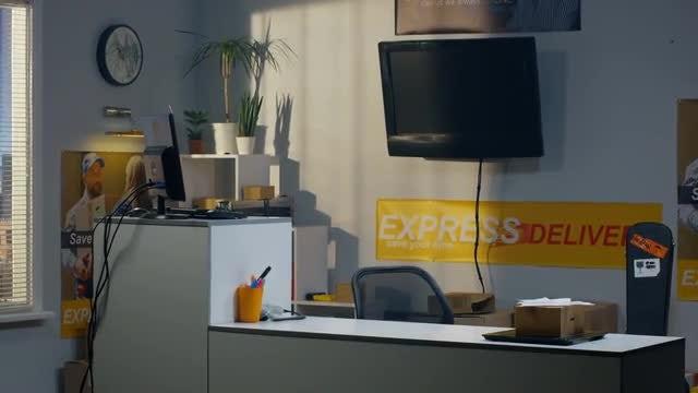 Customer Service Counter: Stock Video