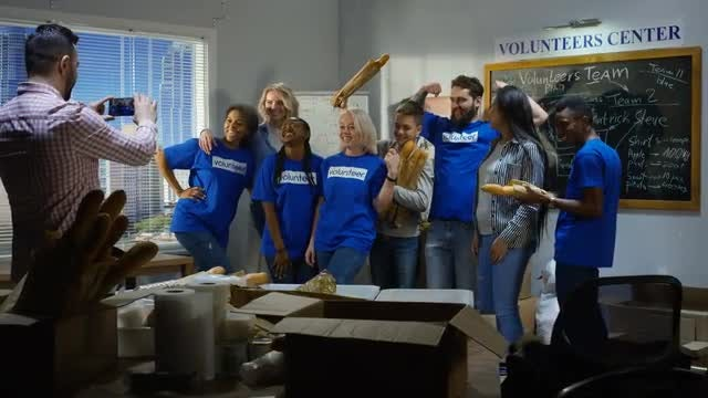 Volunteer Group Picture: Stock Video