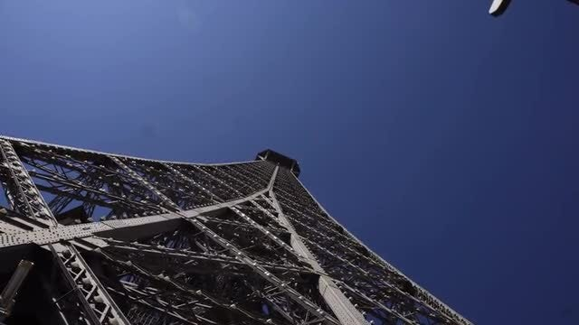 Eiffel Tower, Paris: Stock Video