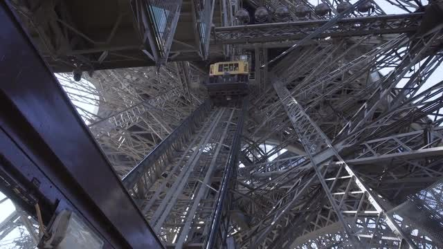 Elevator In The EiffelTower: Stock Video