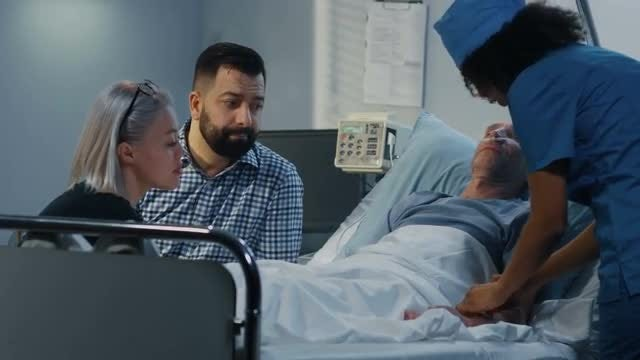 Family Visiting Patient: Stock Video
