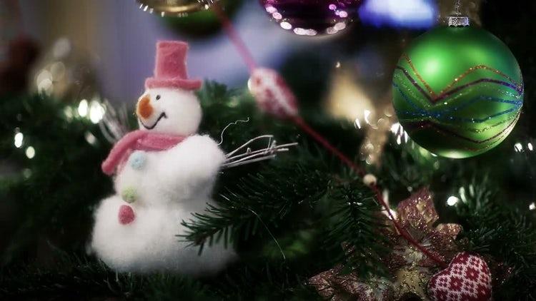 Christmas Toys On Shiny Tree: Stock Video