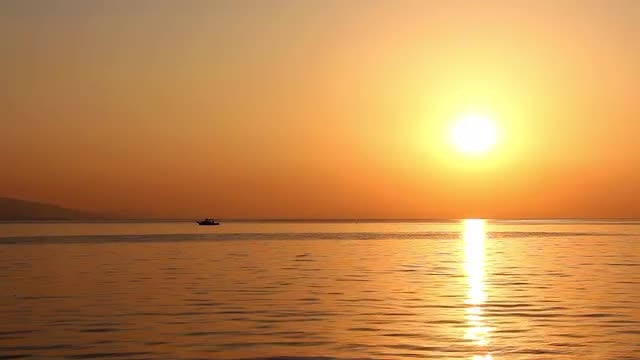Sailing On A Golden Sunset : Stock Video