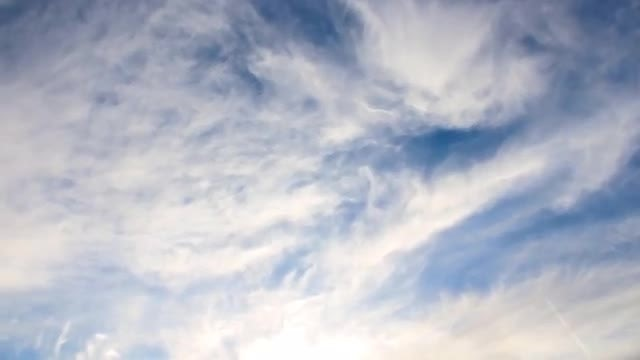 Time Lapse Of Fluffy Clouds: Stock Video