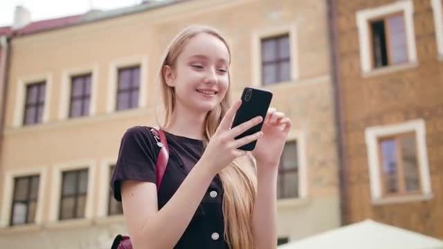 Young Girl Using Smartphone: Stock Video
