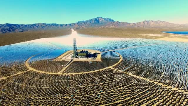 Mojave Solar Power Farm: Stock Video