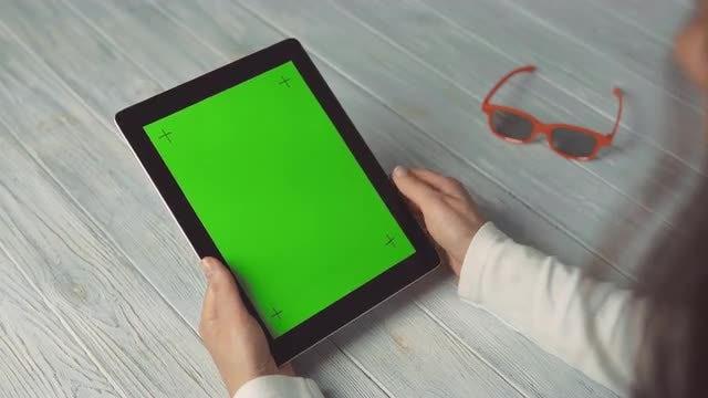 Swipe Green Screen Tablet: Stock Video