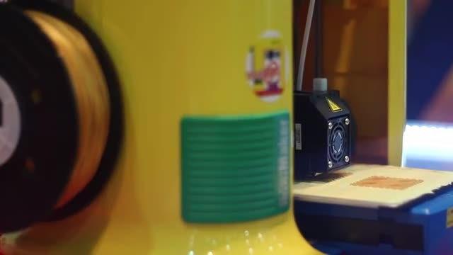 Modern 3D Printing: Stock Video