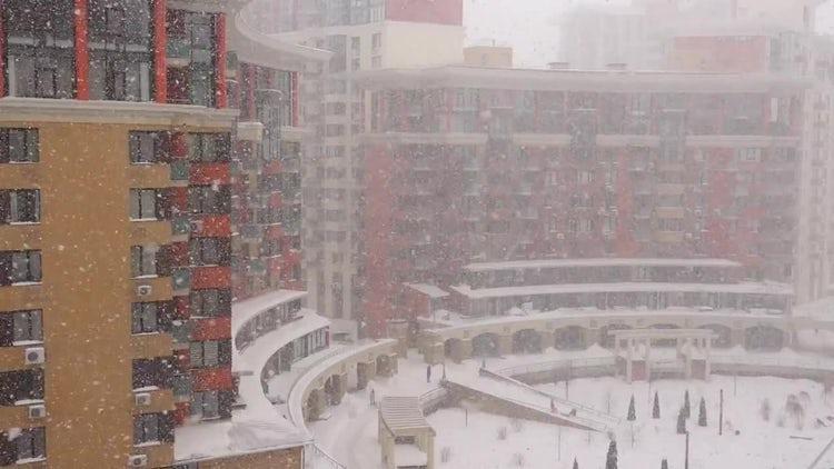 Winter City Snowfall: Stock Video