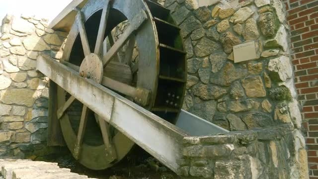 Rotating Irish Waterwheel: Stock Video