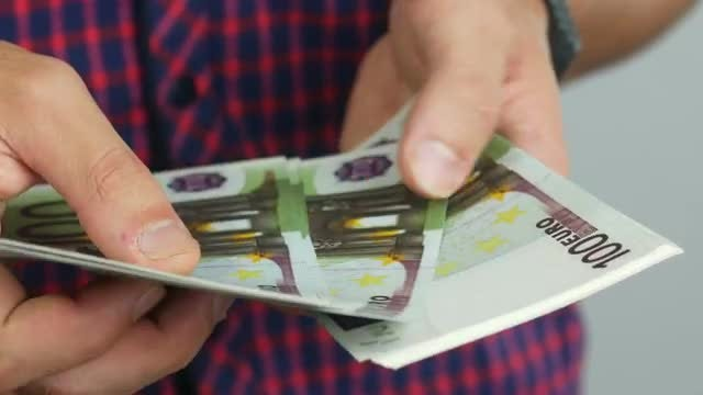 Man Counting Euro Banknotes: Stock Video