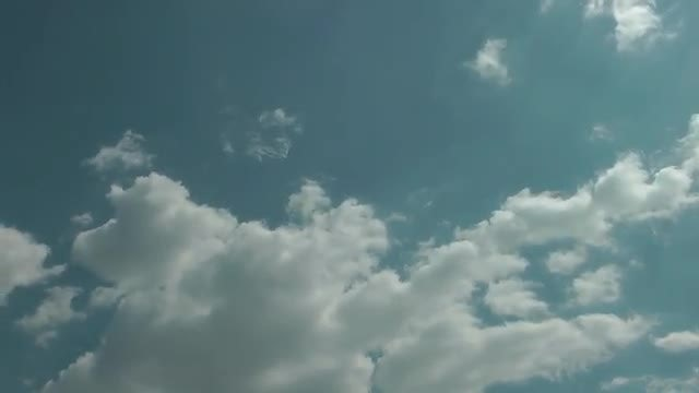 Beautiful White Clouds Moving Slowly: Stock Video