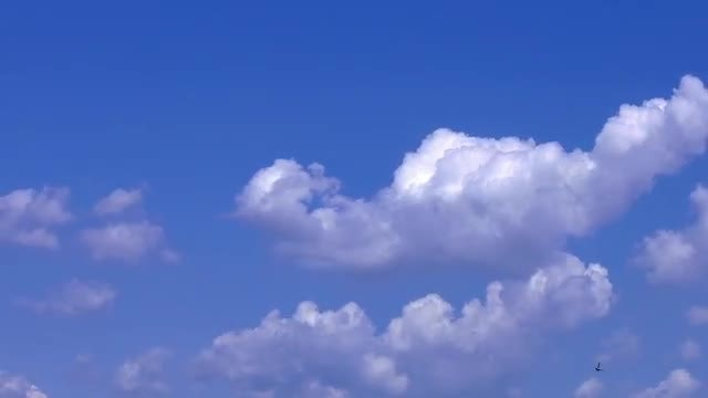 Soft Clouds On Sky 13: Stock Video
