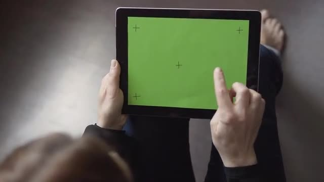Green Screen Tablet Click Gesture: Stock Video