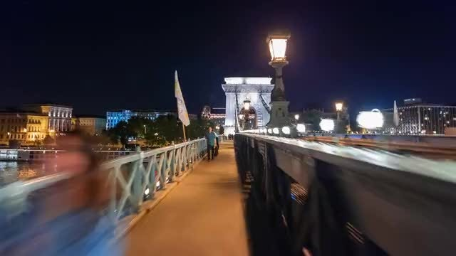 Hyperlapse Of Chain Bridge At Night: Stock Video