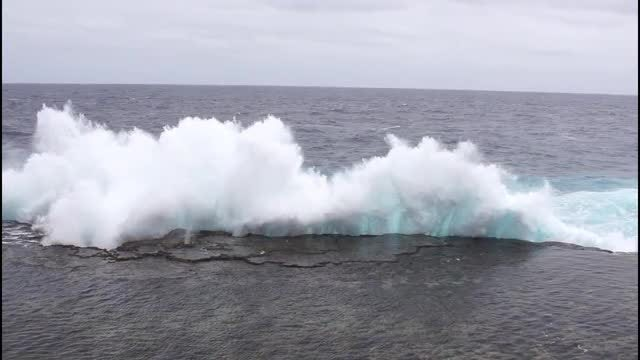 Wave Crashing Into A Cliff: Stock Video