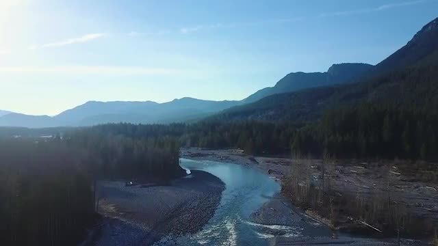 Mountain River Reveal: Stock Video