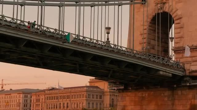 Twilight Shot Of Budapest Bridge: Stock Video