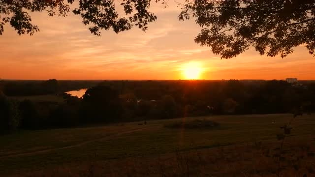 Golden Sunset Over Richmond: Stock Video