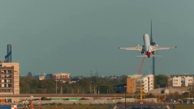 Large Airliner Taking Off: Stock Video