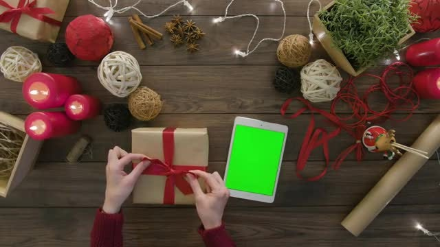 Christmas Green Screen Tablet: Stock Video