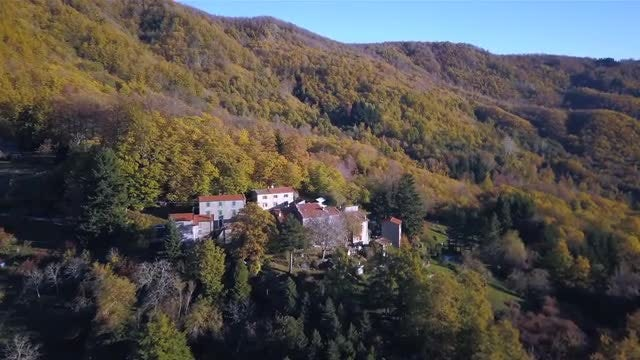 Residential Homes In The Mountains: Stock Video