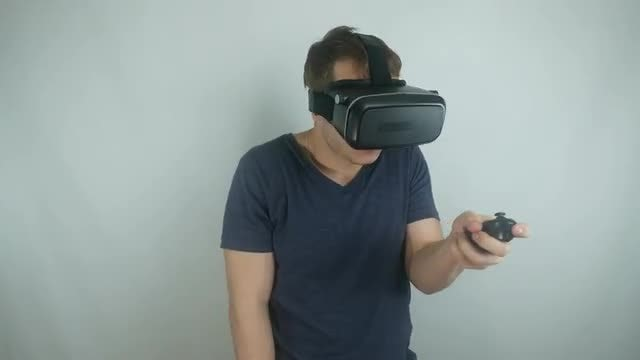 Man Playing VR Games: Stock Video