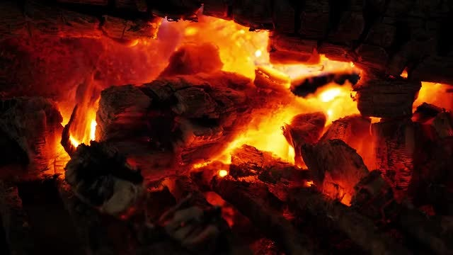 Ember Fire With Golden Flames: Stock Video