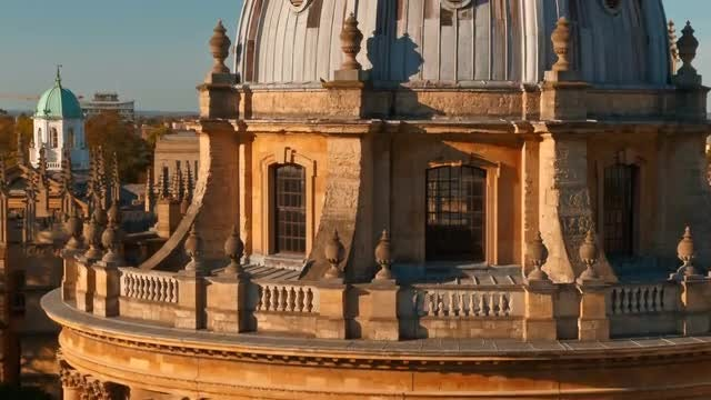 Tilting Shot Of Radcliffe Camera: Stock Video