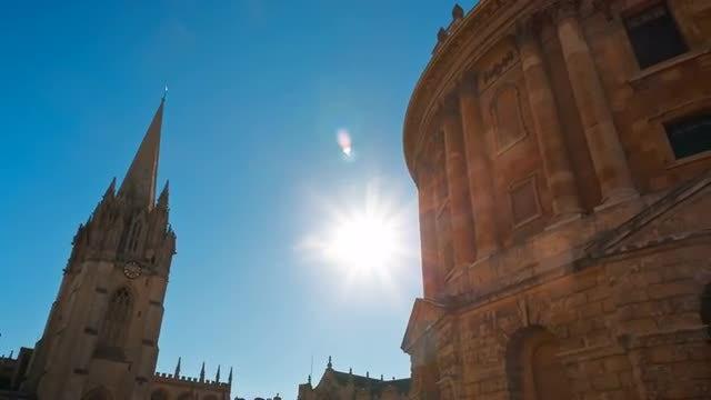 Sun Shining In Oxford University: Stock Video