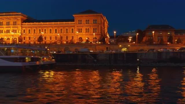 Late Boat Ride In The Danube: Stock Video