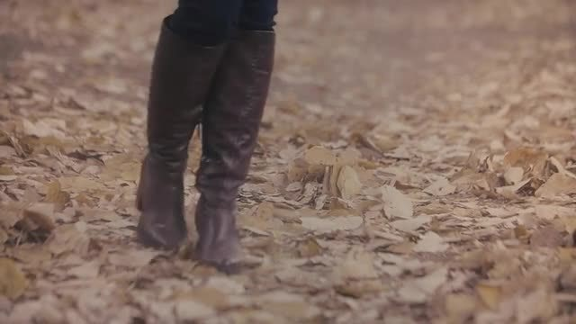 Woman With Brown Boots Walking: Stock Video