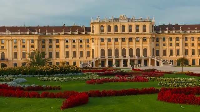 Schönbrunn Palace Revealed: Stock Video