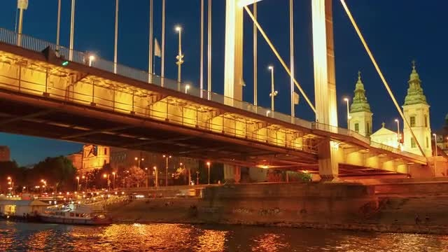 Elisabeth Bridge At Night, Budapest: Stock Video