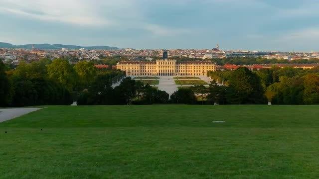 Schönbrunn Palace In Austria: Stock Video