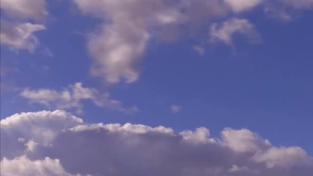 Time Lapse Of Clouds Gathering: Stock Video